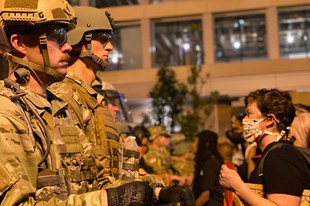 Des violences policières visent le mouvement Black Lives Matter