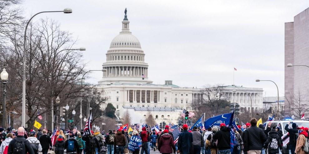 Les partisans et partisanes de Donald Trump ont pris d'assaut le Capitole à Washington le 6 janvier 2021. © bgrocker/shutterstock.com