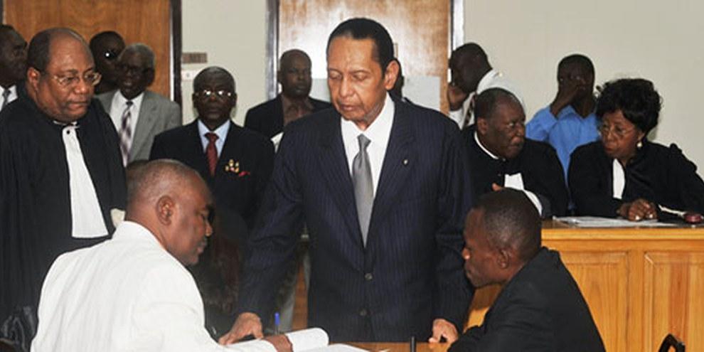 Jean-Claude Duvalier a comparu devant la cour d'appel de Port-au-Prince le 28 février 2013. THONY BELIZAIRE/AFP/Getty Images
