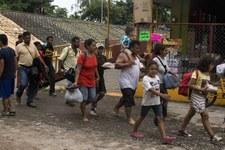 La douloureuse procession de la caravane de migrants en Amérique centrale