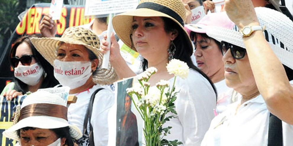En 2013, les mères de disparus ont participé la Marche Nationale de Dignité. © Amnesty International