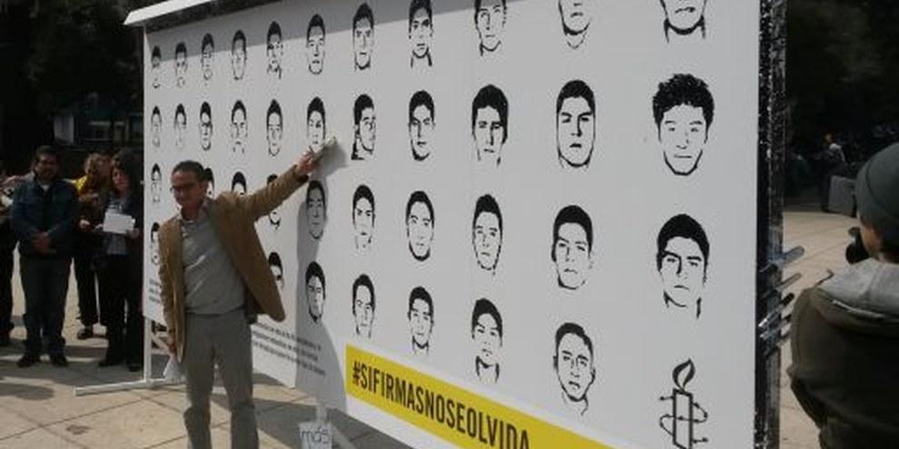 L'ensemble des crimes commis n'a pas été totalement examiné dans la disparition forcée des 43 étudiants et l'homicide de six personnes. © Amnistia Internacional México