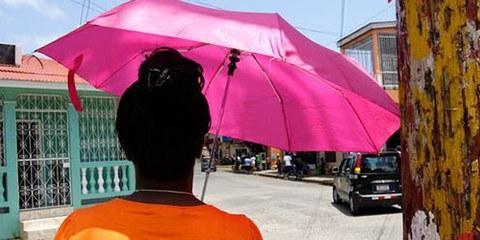 De nombreuses initiatives visent à compromettre la loi contre la violence à l'égard des femmes. © AI