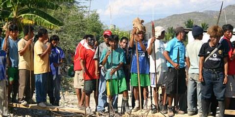 Les populations indigènes protestent contre la destruction de leurs terres. © Rupert Haag