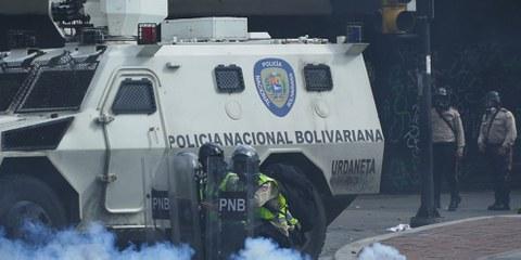Ces dernières semaines, les forces de sécurité ont fait un usage disproportionné de la force pour étouffer les manifestations pacifiques. © Laura Rangel