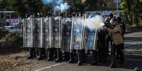Les forces de sécurité continuent de réprimer les manifestations de citoyens qui veulent sortir de la grave crise politique au Venezuela. © Carlos Becerra