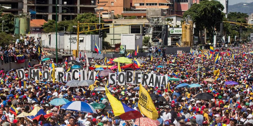 Manifestation contre la politique de Nicolás Maduro, fèvrier 2019. © Ruben Alfonzo/shutterstock