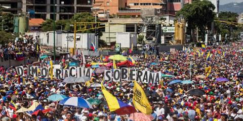 Manifestation anti Maduro à Caracas le 2 fèvrier 2019 © Ruben Alfonzo / shutterstock