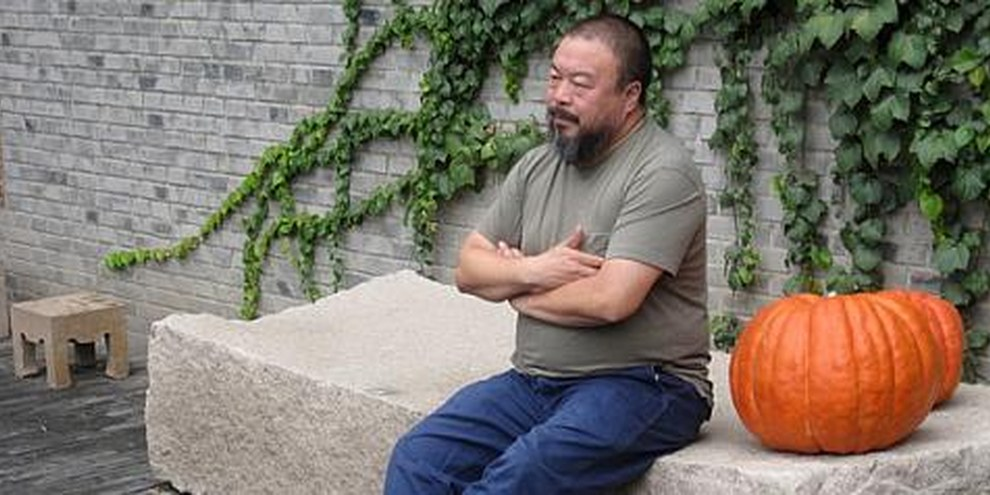 Ai Weiwei à Beijing, 2009. © Bert van Dijk