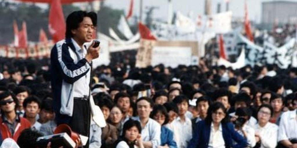 Il y a vingt ans, la place Tiananmen était noire de monde, juste avant la répression sanglante. © 1989 Hei Han Khiang