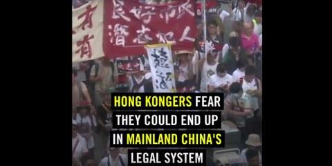 La police hongkongaise doit cesser les violences contre les manifestants