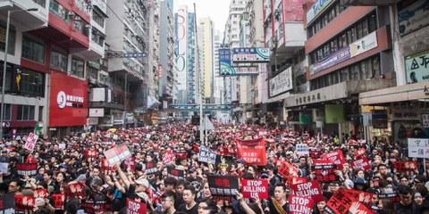 Depuis avril 2019, plus d'un million de manifestants à Hong Kong sont descendus dans la rue pour exiger que le gouvernement de Hong Kong retire les amendements proposés à la loi sur l'extradition, qui permettront le transfert des personnes se trouvant sur le territoire de Hong Kong à la Chine continentale. ©AI/ Jimmy Lam (everydayaphoto)