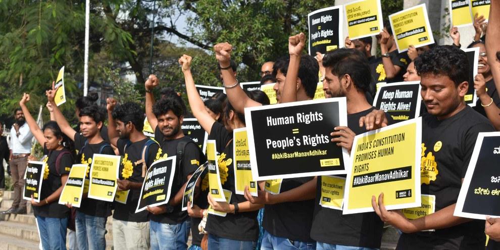 Amnesty Inde a fait un travail important pour le pays. Malheureusement, avec le gel des comptes bancaires, les campagnes et les recherches sont stoppées.  © AI India