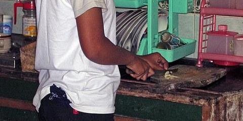 Une employée de maison en Indonésie. © AI