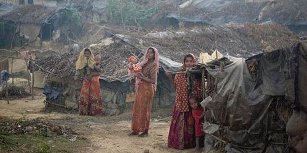 Les autorités continuent à limiter la liberté de mouvement des Rohingyas de l'État d'Arakan. © UNHCR/Y Saita