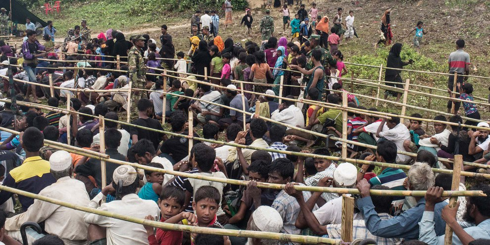 Rohingyas dans un camp des réfugiés au Bangladesh © Andrew Stanbridge / Amnesty International