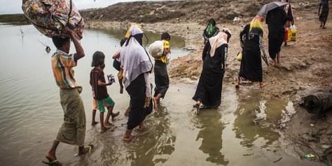 Plus de 5'200 hommes, femmes et enfants ont été déplacés en raison des combats qui font rage dans l'État d'Arakan, au Myanmar. Ces personnes sont pour la plupart issues de minorités ethniques majoritairement bouddhistes. © Andrew Stanbridge / Amnesty International