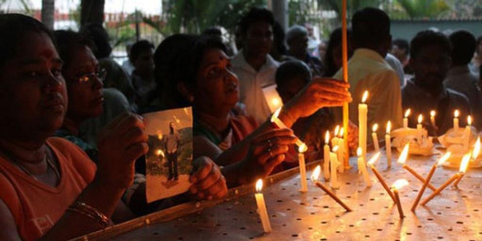 Des familles protestent contre les disparitions forcées de leurs proches à Colombo, Sri Lanka, le 24 janvier 2012. © Vikalpasl