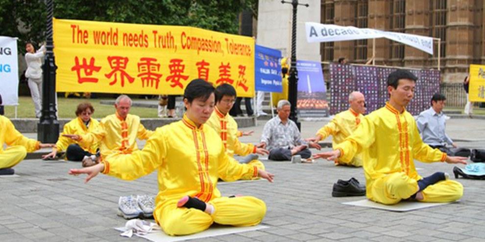 Le Fa Lun Gong est un mouvement interdit en Chine. © Phil McElhinney / Demotix
