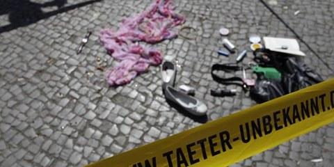 Une action d'Amnesty Allemagne pour revendiquer des enquêtes sur les allégations de violences policières. © AI