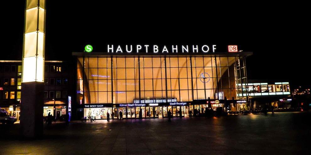 Le 31 décembre, des groupes d'hommes ont commis une série d'agressions sexuelles devant la gare principale de Cologne.© ConstiAB / CC