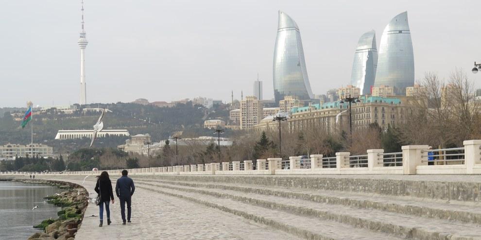 Le nombre élevé d'arrestations de défenseurs des droits humains en Azerbaïdjan illustre le caractère arbitraire de la justice du pays.  © Amnesty International