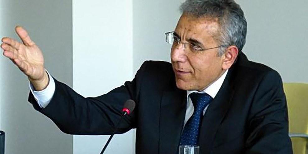 Intigam Aliev, qui préside l'ONG Société pour l'éducation juridique et critique ouvertement le gouvernement a été condamné à sept ans et demi de prison.  © RFE