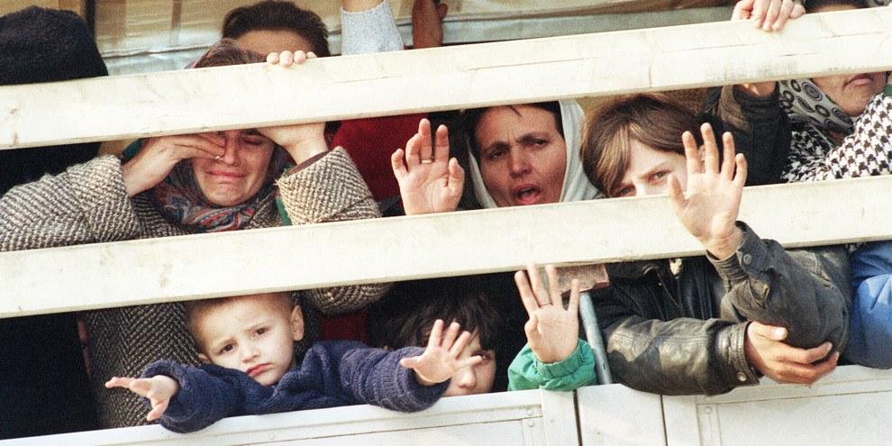 En mars 1993 déjà, des réfugiés musulmans fuyaient Srebrenica. © PASCAL GUYOT/AFP/Getty Images