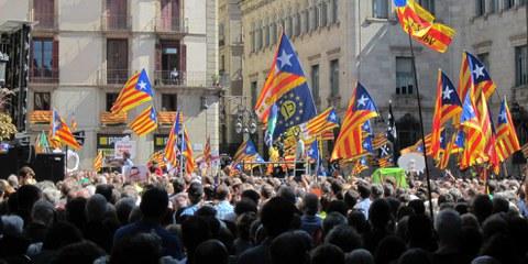 Jordi Sánchez et Jordi Cuixart sont inculpés de sédition pour avoir organisé des manifestations à Barcelone en septembre 2017. © Wikimedia Commons / Xfigpower