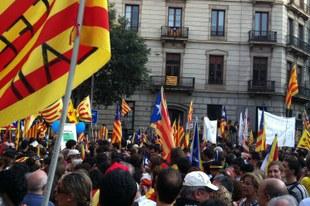 Droits à la liberté d'expression et de réunion pacifique menacés