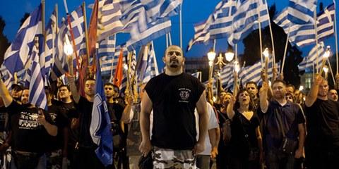 Le parti d'extrême droite Aube dorée est devenu populaire durant la crise économique grecque. © STR/AFP/Getty Images