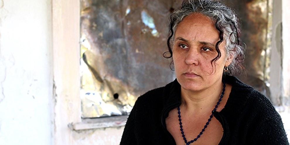 Paraskevi Kokoni, et son neveu Kostas ont été victimes d'une agression violente en 2012, six ou sept hommes les ont roués de coups pour des motifs apparemment racistes. © Amnesty International