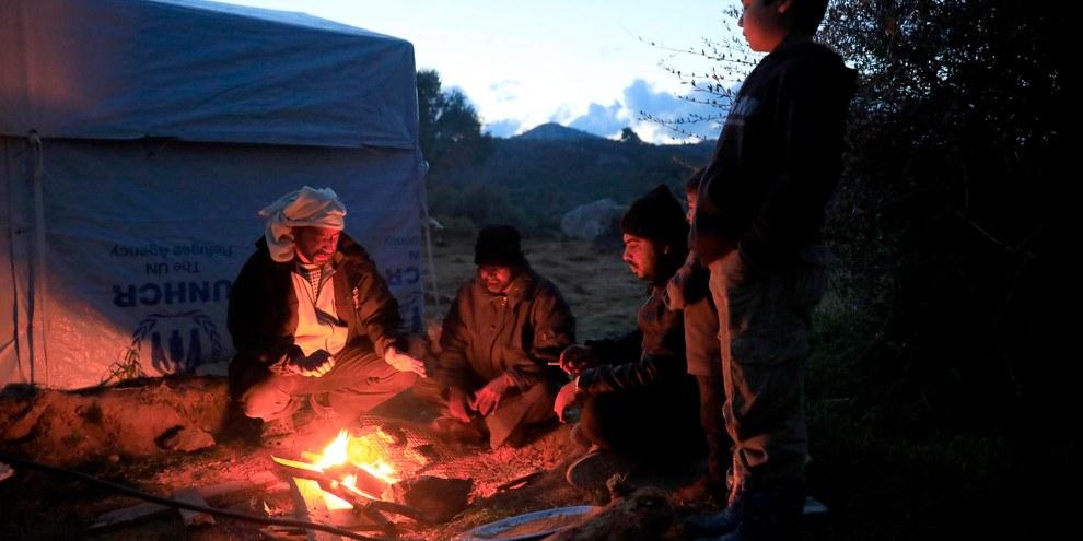 Des milliers d'hommes, femmes et enfants, la plupart ayant fui un pays en guerre, sont bloqué·e·s sur les îles grecques, comme dans le camp de Moria, à Lesbos, à cause de l'accord UE/Turquie signé il y a deux ans. © Giorgos Moutafis/Amnesty International