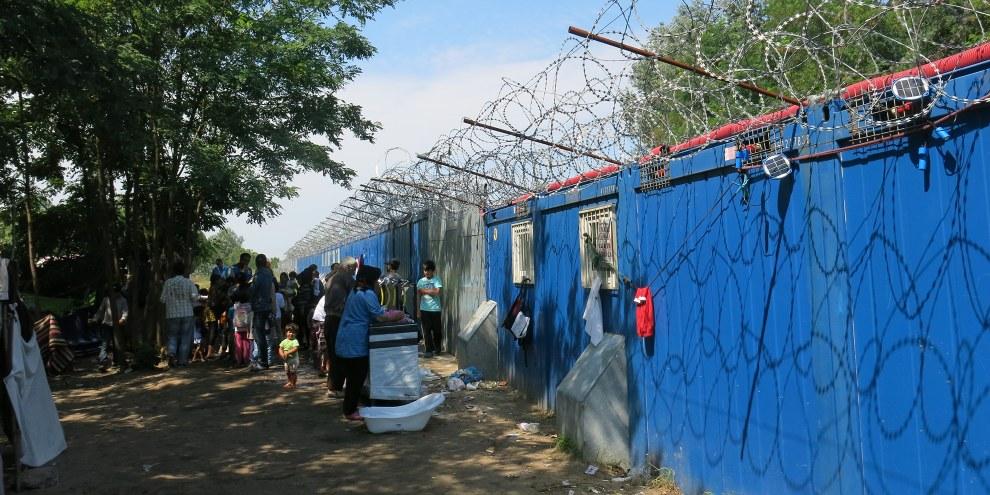 Le 16 septembre 2015, Ahmed H. était partie les centaines de réfugiés bloqués près du poste-frontière de Röszke/Horgoš lorsque des affrontements ont éclaté avec la police hongroise. © Amnesty International