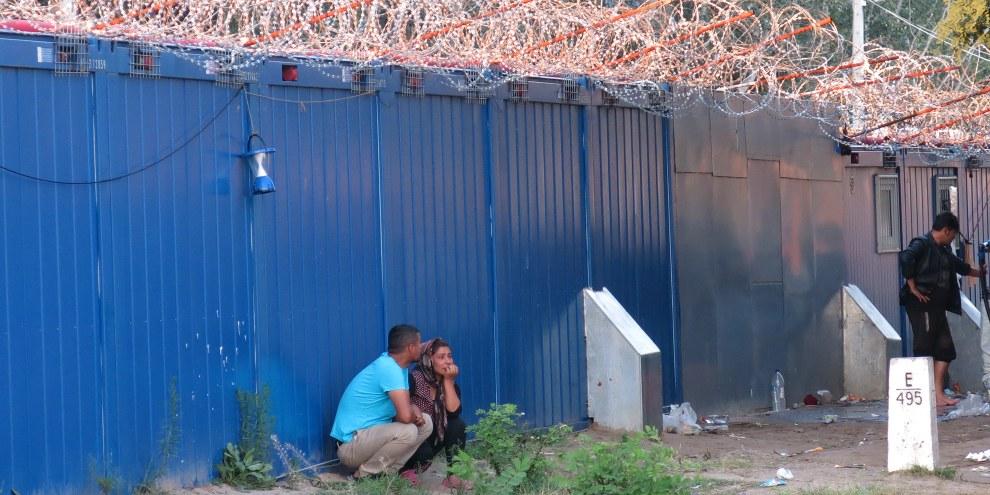 Un grand nombre des demandeurs d'asile qui parviennent à entrer sur le territoire hongrois sont renvoyés en Serbie ou sont placés illégalement dans des centres de détention. © Amnesty International