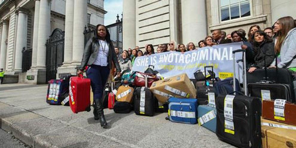 Chaque année, 4000 femmes et jeunes filles irlandaises doivent se faire avorter à l'étranger.   © Amnesty International