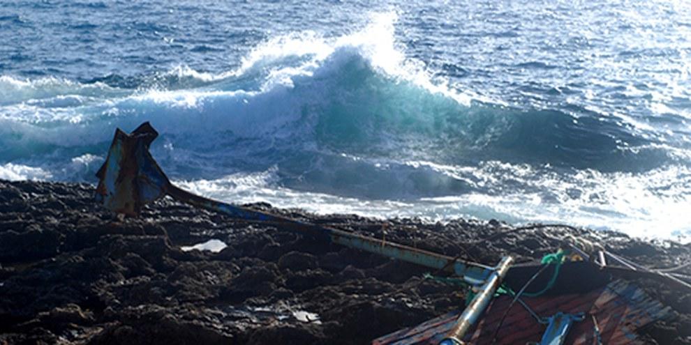 L'île italienne de Lampedusa voit de nombreux navires sombrer au large de ses côtes. © Pieter Stockmans