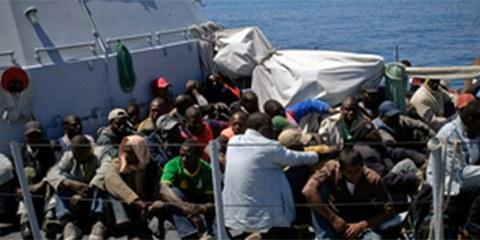 Des milliers de migrants et de réfugiés essaient chaque année de gagner les côtes de Lampedusa. © HCR / F. Noy