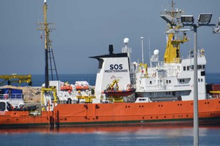 La méthode qui empêche le navire de sauvetage d'une ONG de remplir sa mission pourrait coûter des vies