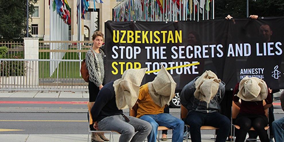 Des manifestations ont eu lieu dans 11 pays y compris en Suisse à Genève, pour braquer les projecteurs sur la pratique courante de la torture en Ouzbékistan. © Anaïd Lindemann Amnesty International