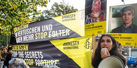Action pour Muhammad Bekzhanov à Berlin © Amnesty International, Henning Schacht