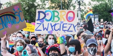 Rassemblement de solidarité pour les militant·e·s LGBTQIA+ à Varsovie, le 8 août 2020. © Grzegorz Żukowski