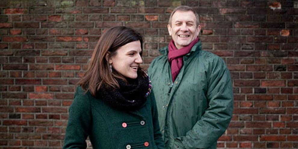 Sergei Nikitin, directeur du bureau d'Amnesty à Moscou, et Maria Sereda, campaigner. © Jorn van Eck / AI