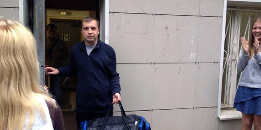 Mikhail Kosenko quitte l'hôpital psychiatrique.  © Ekaterina Fomina