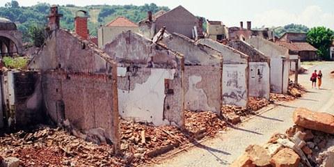 Les responsables présumés de crimes de guerre des conflits des années 1990 n'ont toujours pas été jugés.