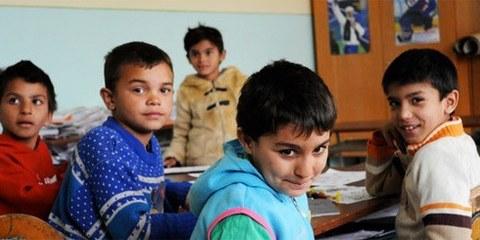 Des enfants roms dans une classe spéciale pour les élèves avec un «léger retard mental» dans l'école primaire de Krivany, en Slovaquie, Avril 2010. © AI