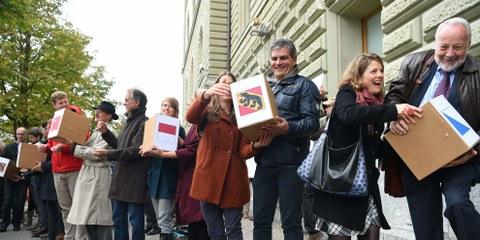 Dépôt de l'initiative à Berne le 10 octobre 2016- © Martin Bichsel