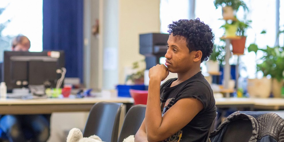 Des centaines de dossiers de requérants d'asile érythréens vont être rééxaminés pour déterminer si un retour dans leur pays est exigible. Amnesty s'oppose aux renvois car de nombreuses violations des droits humains perdurent en Erythrée. © Keystone