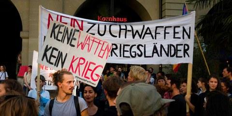 Manifestation contre l'exportation d'armes vers les pays en guerre civile, le 4 septembre 2018 à Berne. © Pavalache Stelian / Shutterstock.com