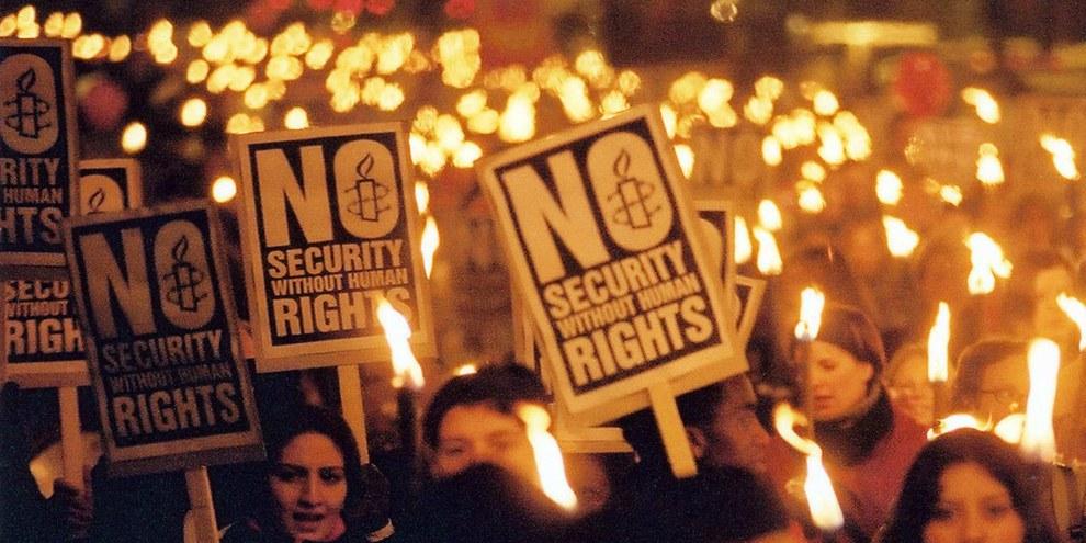 Ces nouvelles normes ne renforcent pas la sécurité en Suisse et affaiblissent notre politique extérieure. © Amnesty International